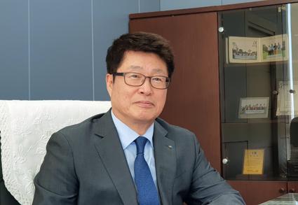 <특집 인터뷰>-권인욱 파주상공회의소 회장